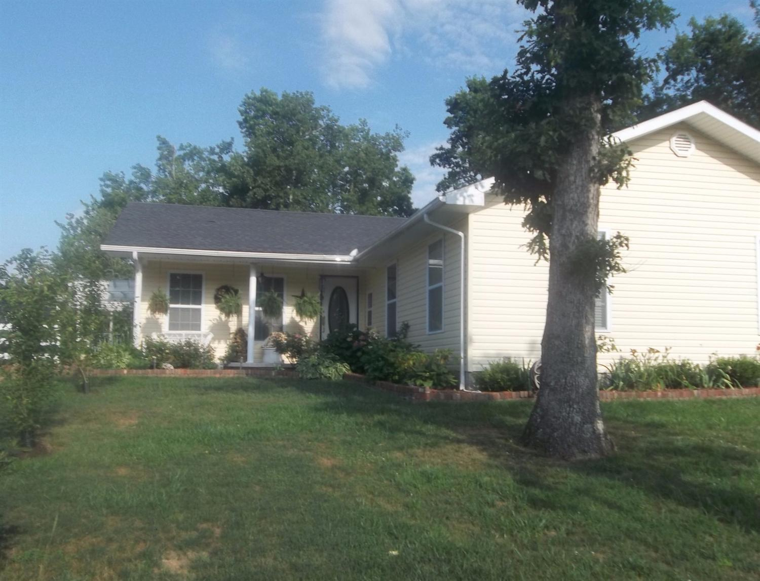 308 Tower Road, Frenchburg, KY 40322