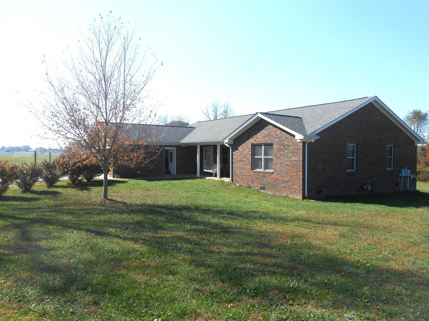 Home For Sale at 4715 Lawrenceburg Rd, Frankfort, KY 40601