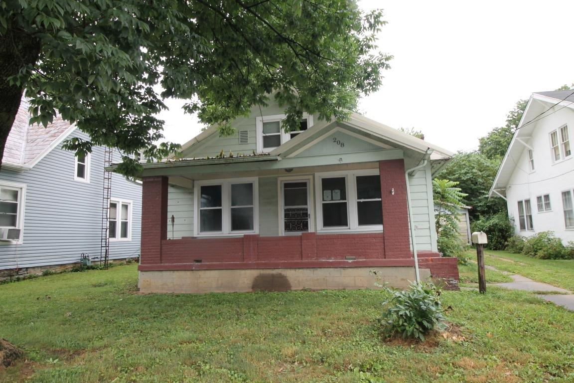 208 N Church St, Cynthiana, KY 41031