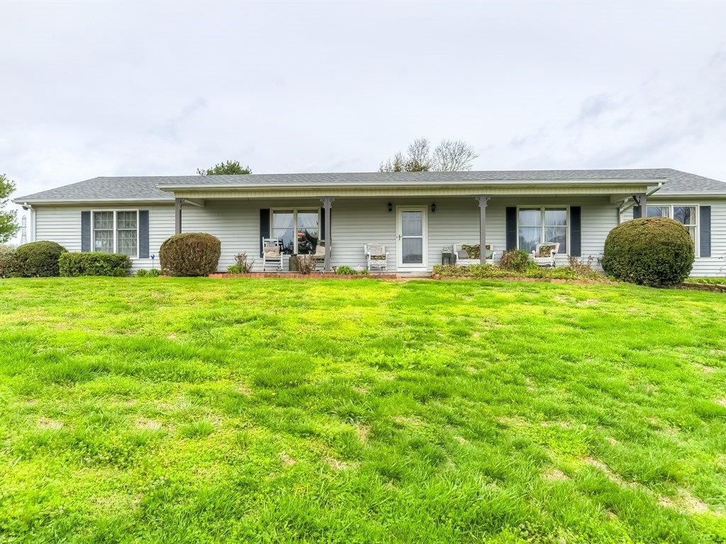 Home For Sale at 316 Ross Rd, Lancaster, KY 40444