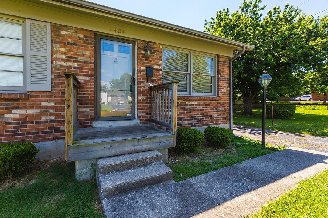 Home For Sale at 1880 Marietta Dr, Lexington, KY 40505