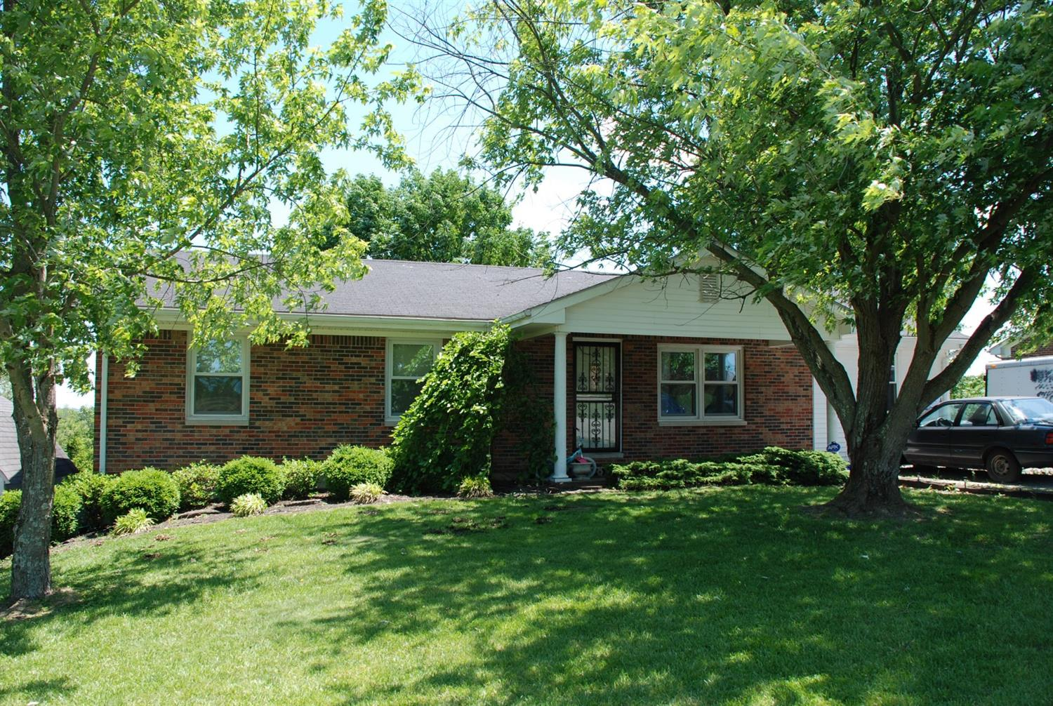 Just%2010%20minutes%20from%20downtown%20Harrodsburg.%204%20Bedroom%20ranch%20on%20an%20unfinished%20basement.%20Nice%20scenic%20views.