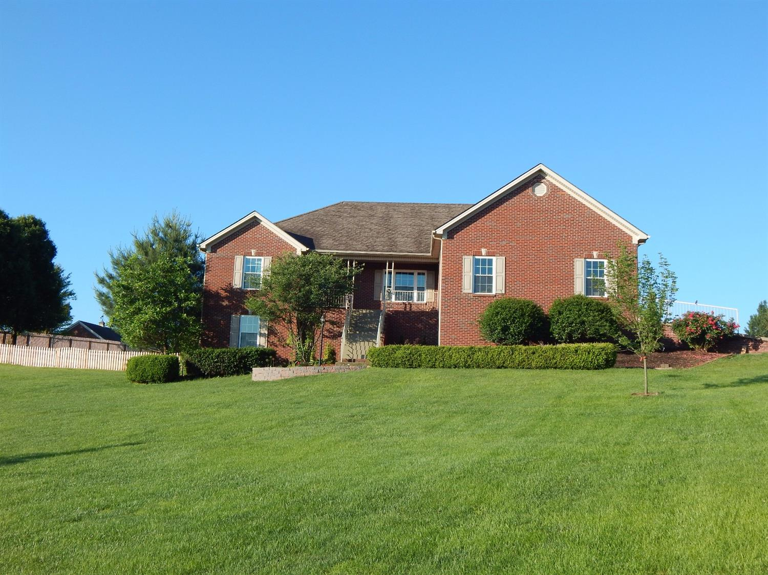 PRICE%20REDUCED...Large%20Ranch%20on%20a%20Spacious%20Finished%20Basement,%20located%20in%20the%20Desirable%20Indigo%20Run%20Subdivision,%20only%20minutes%20from%20Downtown%20Richmond%20and%20the%20cities%20of%20Lexington,%20Winchester%20and%20Berea.%20The%20First%20Floor%20Features%20a.%20Master%20Suite%20w/a%20generous%20sized%20Master%20Bathroom/Closet,%20Great%20Room%20w/gas%20fireplace%20and%20hardwood%20floors,%20Kitchen%20with%20Granite%20Countertops,%20ample%20%20cabinet/counterspace,%20new%20appliances%20(refrigerator%20does%20not%20convey)%20and%20tile%20%20flooring,%20two%20extra%20bedrooms%20w/full%20bathroom%20and%20finally%20a%20laundry%20w/sink.%20The%20Basement%20has%20a%20massive%20Recreation%20Room,%20Two%20Bedrooms%20w/Full%20Bathroom%20and%20extra%20storage%20spaces.%20All%20this%20on%20a%20One%20Acre,%20Treed,%20Wonderfully%20Landscaped%20lot.%20Indigo%20Run%20is%20an%20Equine%20Friendly%20Community,%20that%20offers%20a%20Boarding%20Stable.%20A%201%20year%20HMS%20home%20warranty%20to%20buyer%20at%20closing%20with%20accepted%20offer.