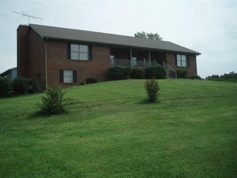2708 Muddy Creek Rd Winchester, KY 40391