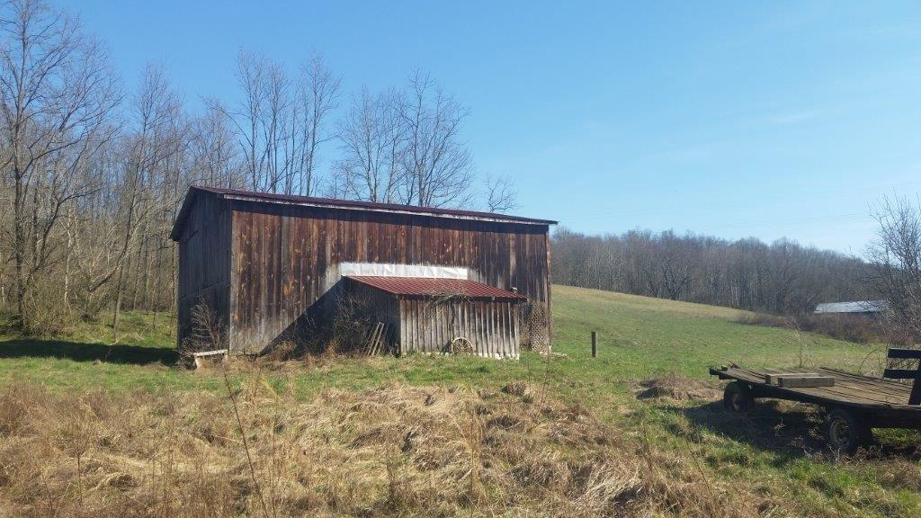 Reduced!!%20%20Priced%20Under%20Appraisal!!%20%20This%20nice%20creekside%20property%20in%20Clark%20County%20offers%20over%2034%20acres,%20with%20electric%20on%20site,%20tobacco%20barn,%20and%20a%20combination%20of%20wooded%20and%20cleared%20land%20located%20only%209.5%20miles%20from%20downtown%20Winchester.%20%20Perfect%20for%20nature%20lovers%20and%20those%20looking%20for%20peace%20and%20quiet.%20%20You%20must%20drive%20through%20Four%20Mile%20Creek%20to%20access%20this%20property.