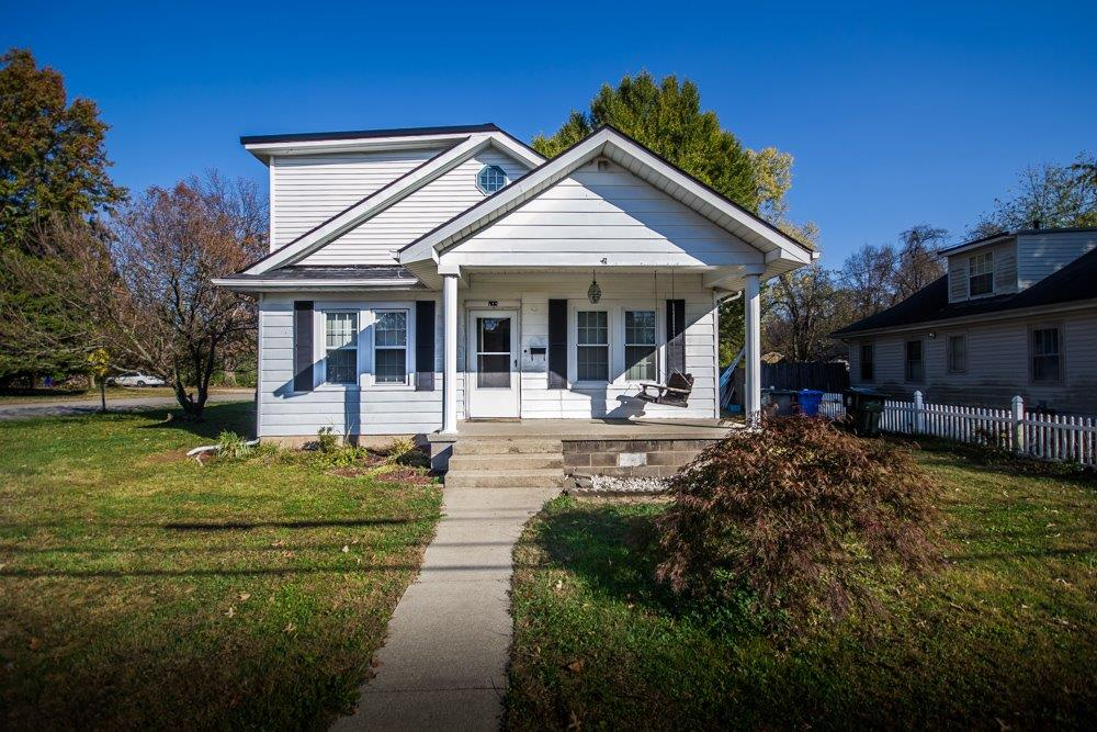 Home For Sale at 1901 Versailles Rd, Lexington, KY 40504