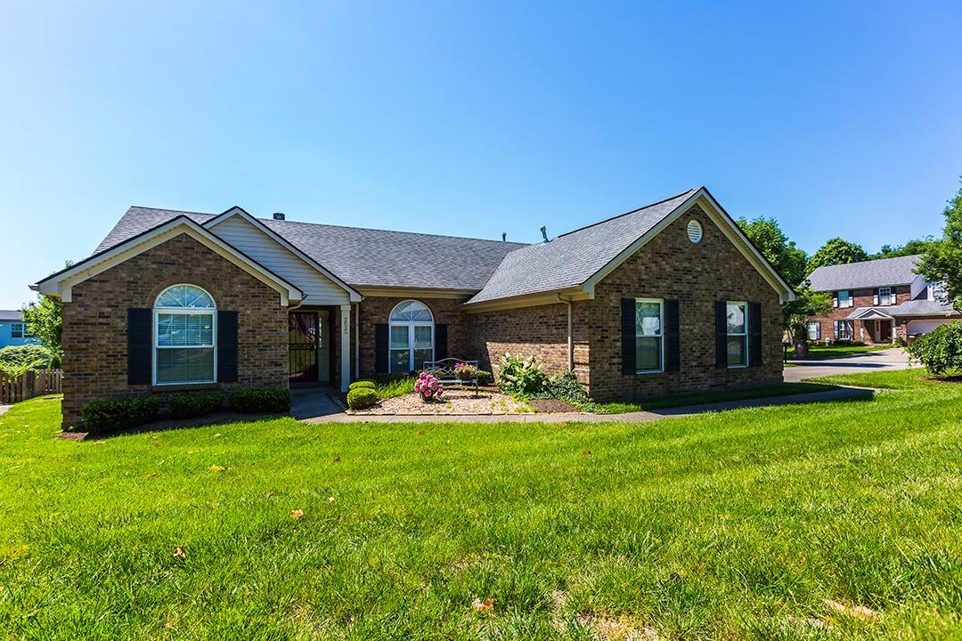 Home For Sale at 3498 Rabbits Foot Trl, Lexington, KY 40503