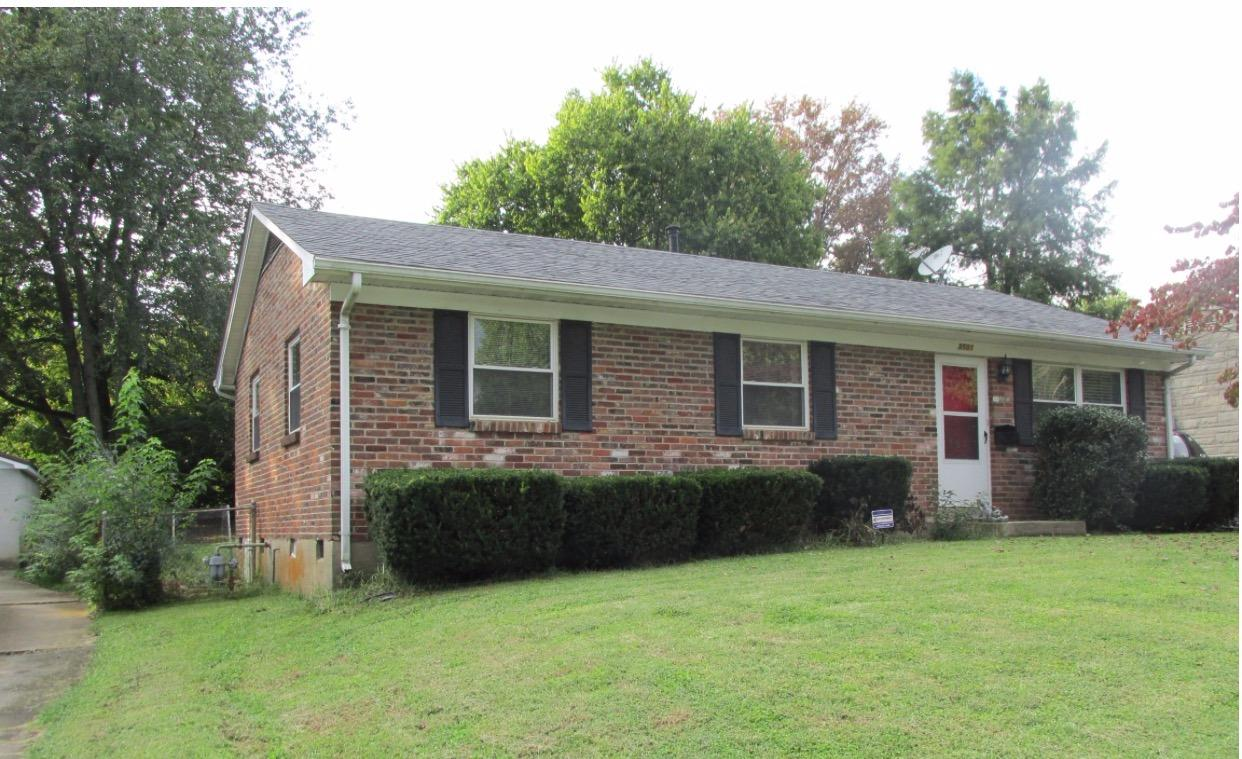 You'll%20love%20this%20well%20cared%20for%203%20bed,%201.5%20bath%20brick%20ranch%20conveniently%20located%20near%20Fayette%20Mall%20and%20The%20Summit%20between%20Tates%20Creek%20and%20Nicholasville%20Rd.%20Offering%20hardwood%20floors,%20fully%20fenced%20backyard%20with%20fire%20pit%20for%20cozy%20fall%20nights,%20updated%20kitchen%20with%20stainless%20appliances,%20new%20laminate%20flooring%20and%20backsplash%20and%20more!%20You%20won't%20want%20to%20miss%20this%20one!%20Call%20today%20for%20your%20private%20showing!