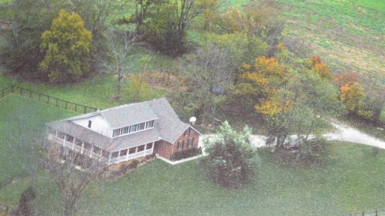 292 Pea Ridge Rd Stamping Ground, KY 40379