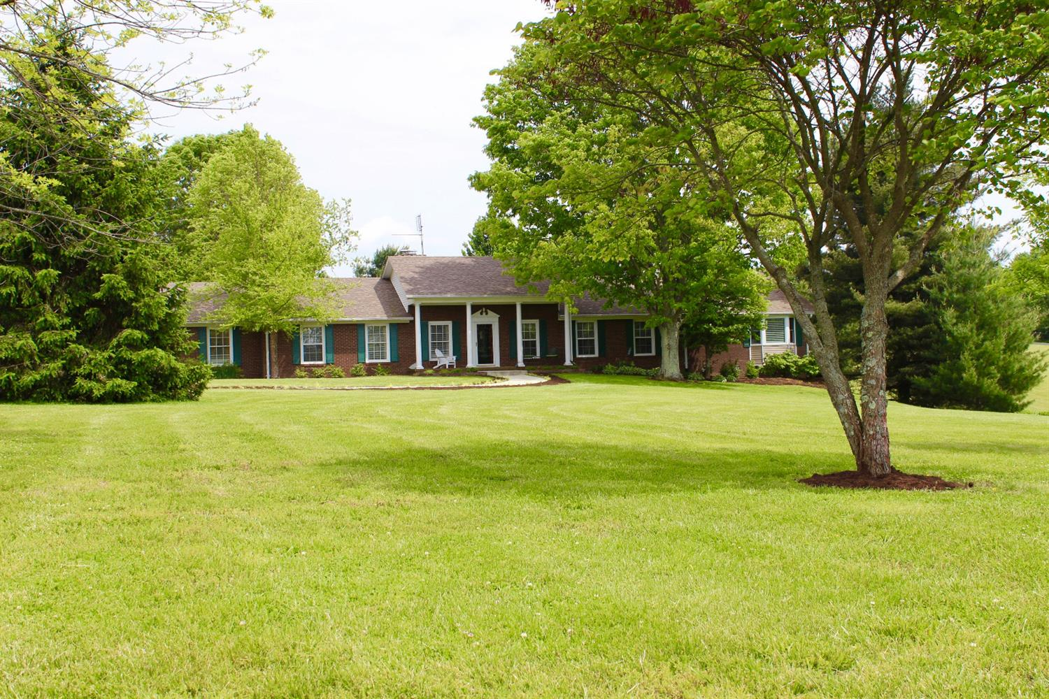 Sprawling%20ranch%20home%20on%205.07%20acre%20lot.%20%20Barn%20on%20back%20of%20property%20previously%20used%20for%20horses.%20Oversized%20two%20car%20garage%20has%20a%20tack%20room%20in%20the%20back%20with%20separate%20doors.%20%20Beautiful%20professionally%20landscaped%20lot%20and%20entry%20to%20the%20property.%20%20Master%20Bath%20has%20a%20steam%20shower%20and%20heated%20tile%20floors.%20%20Large%20open%20kitchen%20has%20custom%20pull%20outs%20in%20cabinets.%20%20This%20home%20has%20too%20many%20upgrades%20to%20mention!%20%20See%20it%20soon,%20it%20won't%20last%20long.