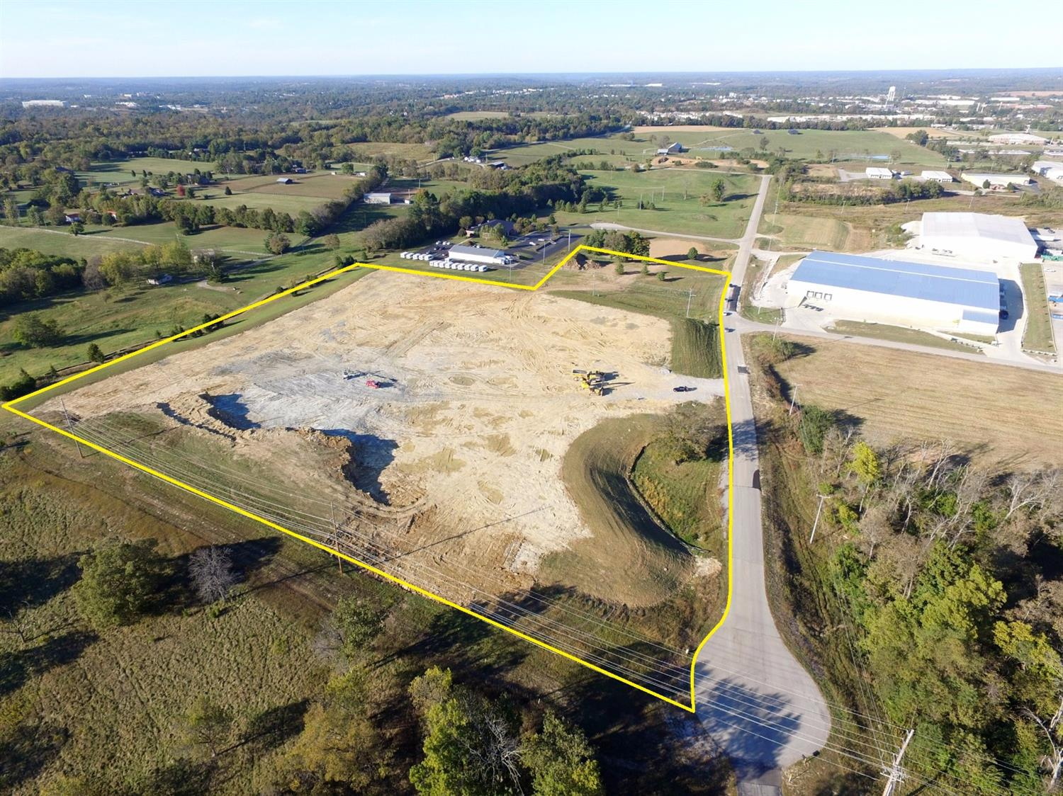 15.665%20acres%20of%20I-1%20land%20for%20sale%20in%20the%20Franklin%20Industrial%20Park.%20%20Can%20subdivide%20(2%20acre%20minimum)%20$85,000%20per%20acre.%20Combined%20with%20125%20Founders%20Dr%20across%20the%20street,%20total%20of%2029.69%20acres%20available.%20Located%201%20mile%20from%20I-64%20and%20US%2060.%20%20Build%20to%20suit%20option%20available.