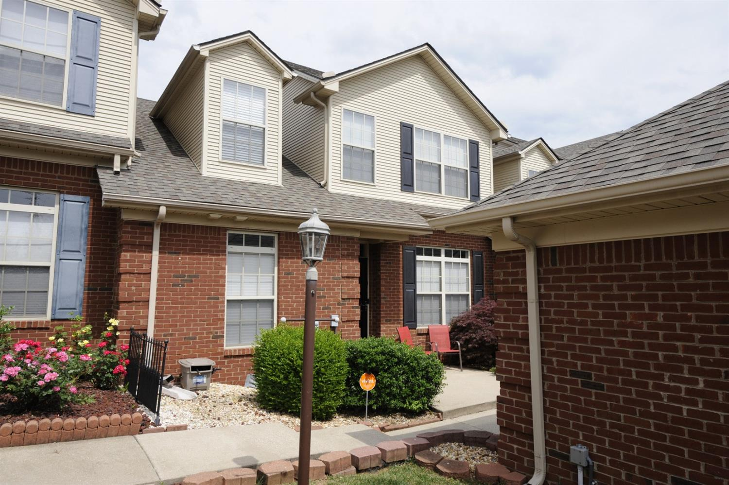 Looking%20for%20the%20perfect%20lock%20and%20leave%20townhome?%20Check%20this%20out!%2015%20minutes%20from%20locking%20your%20door%20to%20downtown%20Lexington.%20%20First%20floor%20master,%20spacious%202nd%20floor%20bedroom,%20with%20loft%20area%20and%20a%20large%20walk-in%20closet.%20Separate%20utility%20room%20and%20saving%20the%20best%20for%20last;%20relax%20on%20your%20covered%20back%20porch/patio%20overlooking%20Canewood%20Golf%20course.%20A%20two%20car%20detached%20garage%20with%20ample%20space%20for%20storage%20makes%20this%20the%20ideal%20home%20for%20an%20empty%20nester,%20first%20time%20home%20buyer%20or%20a%20second%20home%20that%20is%20an%20easy%20drive%20to%20the%20Kentucky%20Horse%20Park,%20all%20University%20of%20Kentucky%20sporting%20events%20not%20to%20mention%20the%20Georgetown%20Tigers!
