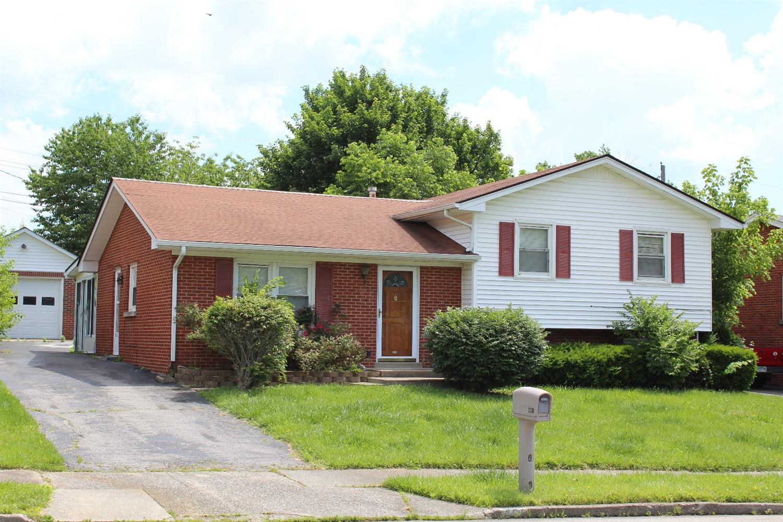 Home For Sale at 1647 Kilkenny Dr, Lexington, KY 40505