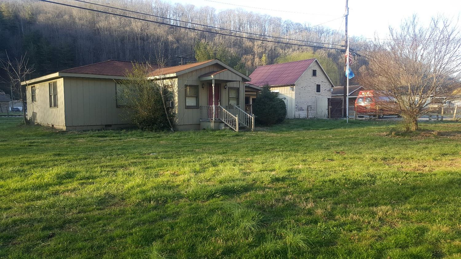 151 ANDERSON ST, HARLAN, KY 40831
