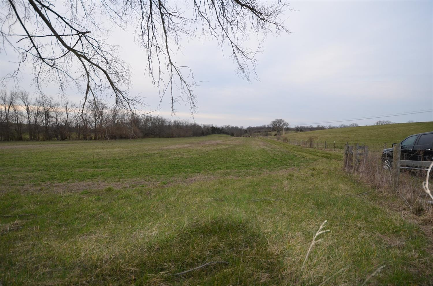 63.91%20acres%20of%20land%20located%20about%206.5%20miles%20west%20of%20Harrodsburg.%20%20The%20farm%20has%20approximately%2016%20acres%20of%20creek%20bottom%20land%20with%20the%20balance%20in%20pasture%20grass.%20%20There%20is%20a%20good%20creek%20running%20through%20the%20farm%20plus%202%20ponds%20on%20the%20property.%20%20This%20is%20a%20good%20farm%20for%20cropping%20and%20livestock%20grazing.