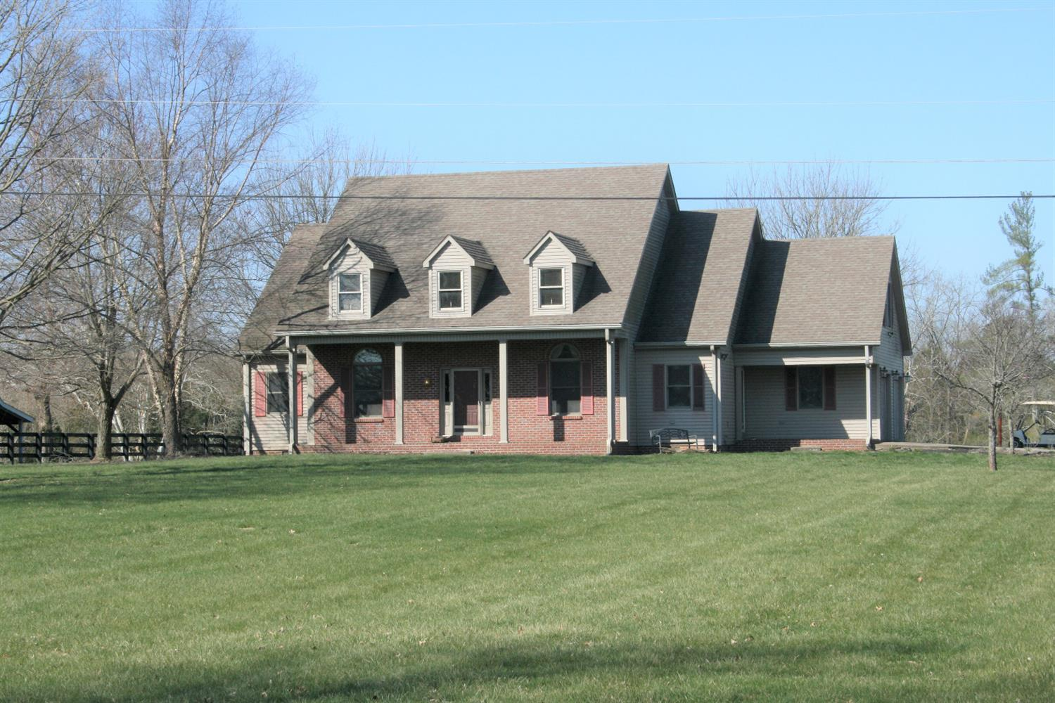 Home For Sale at 927 Sunset Dr, Harrodsburg, KY 40330
