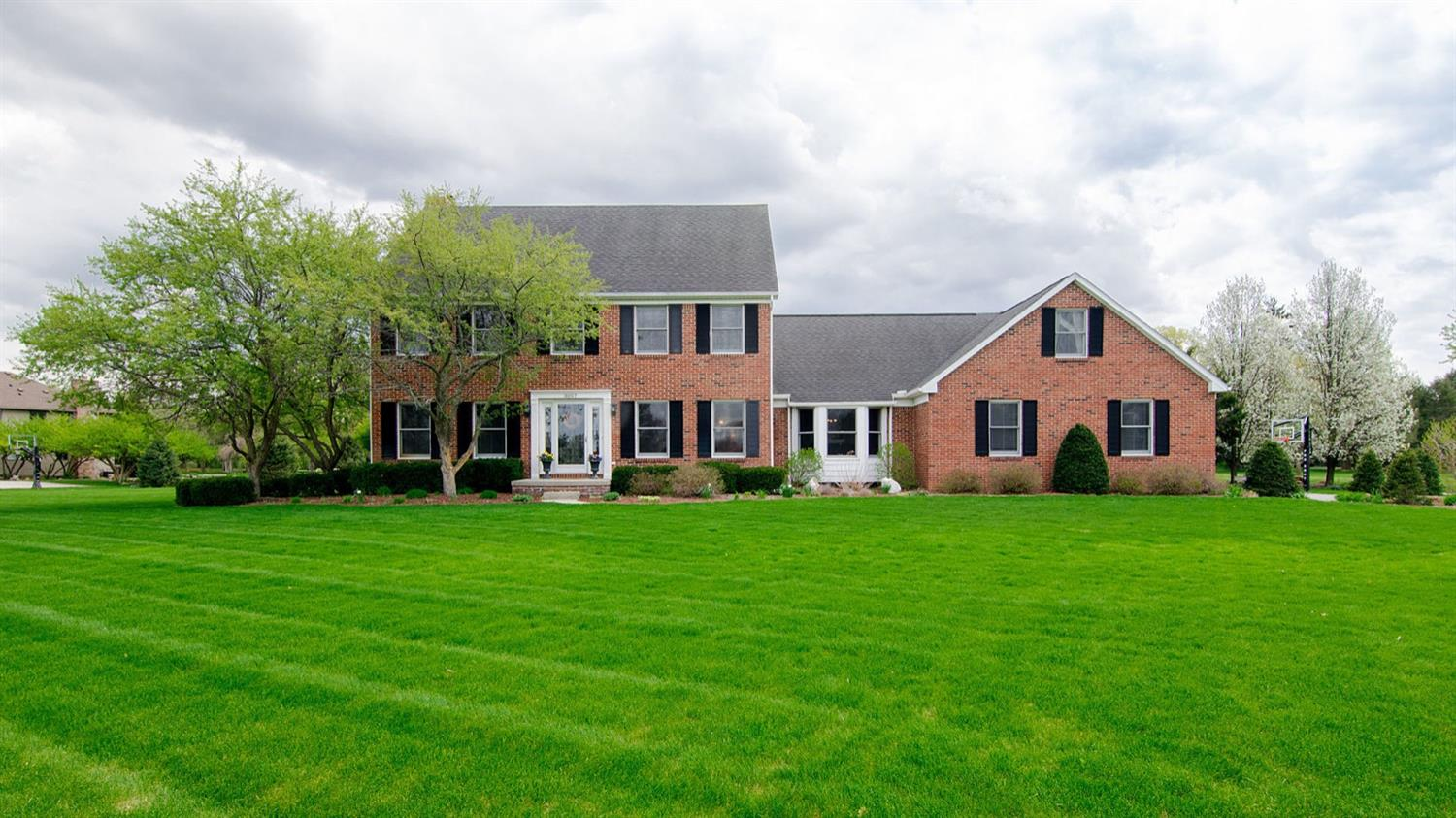 MLS# 3264383 - 3057  Grove Court Saline MI 48176