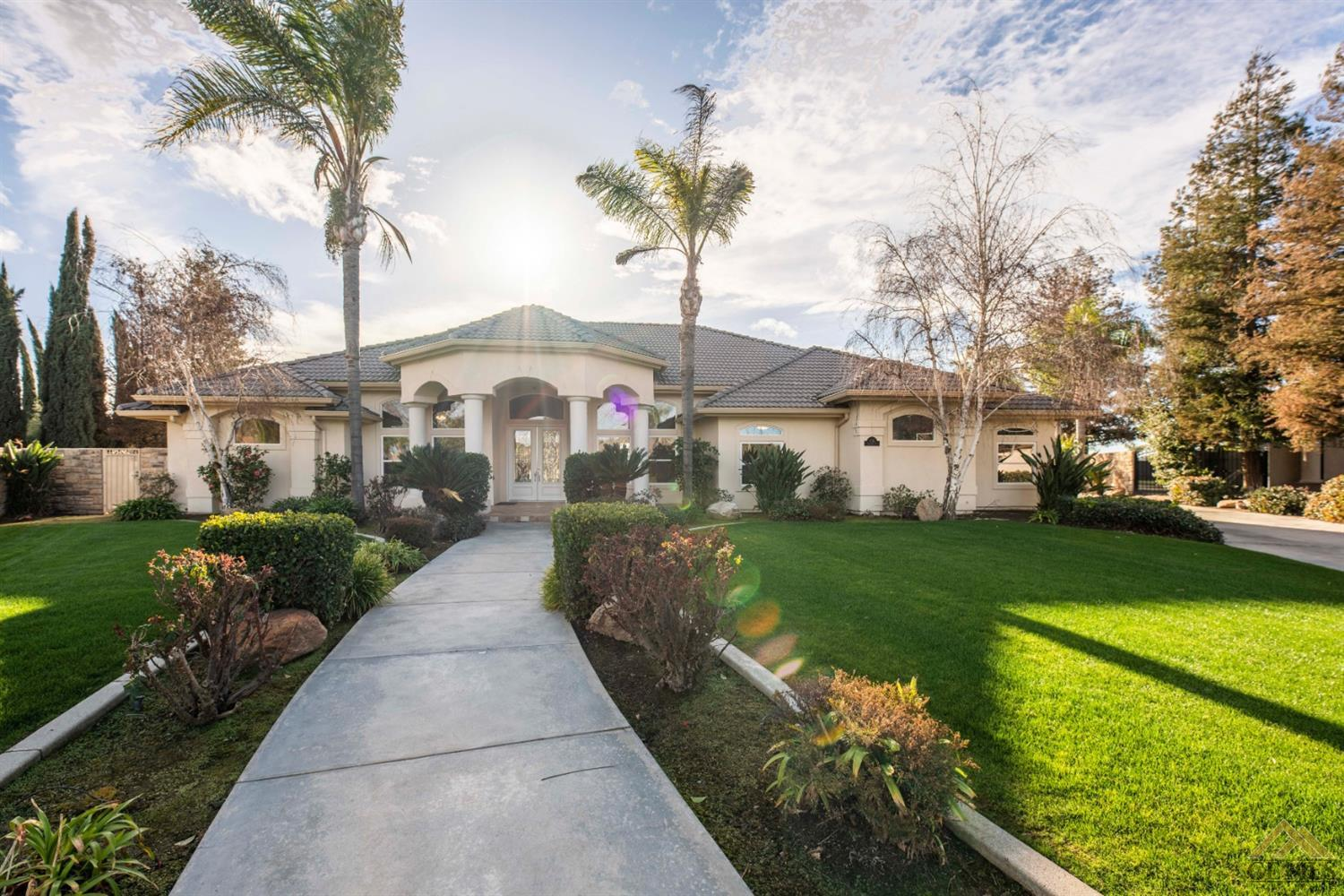 Photo of 16011 Tradition Court, Bakersfield, CA 93314