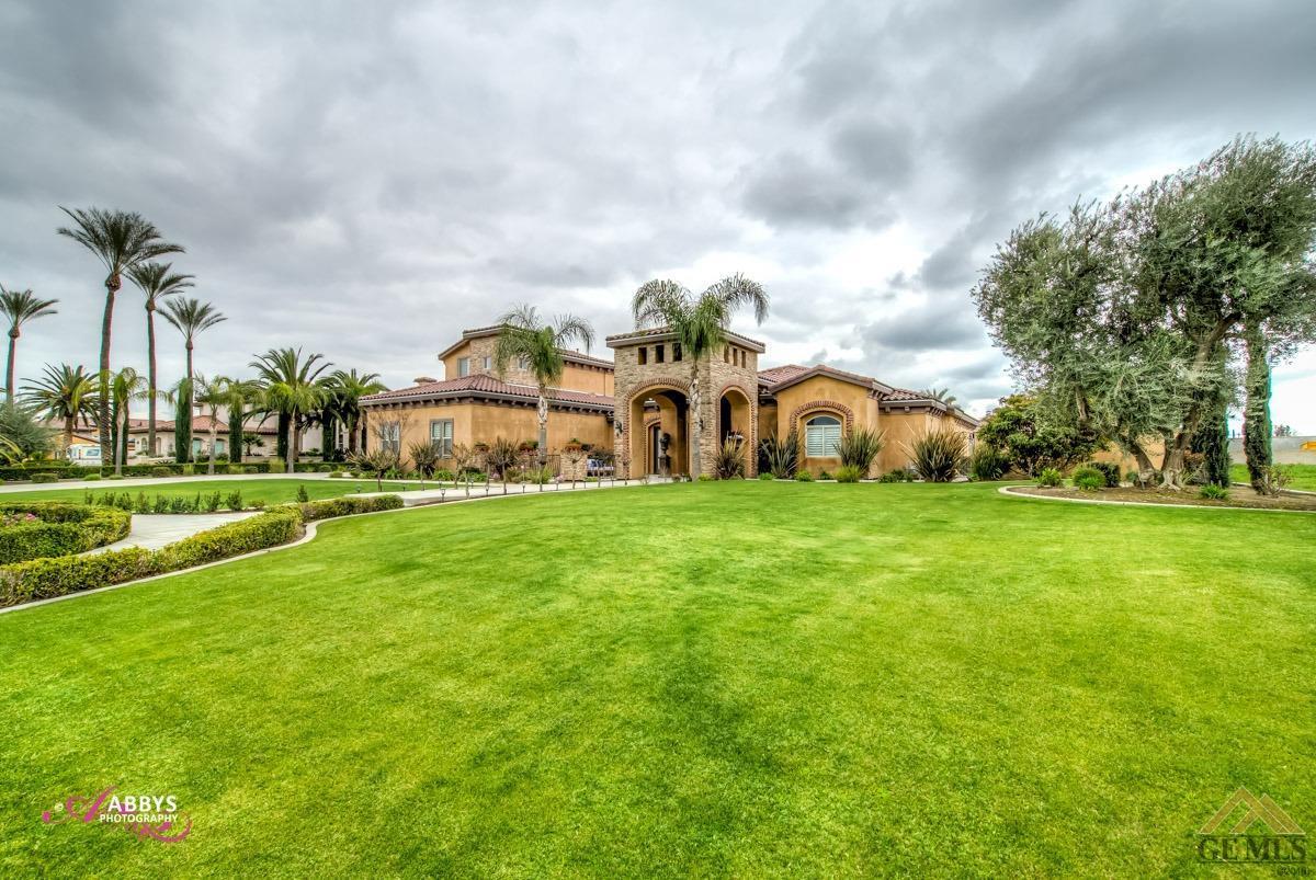 Photo of 17609 Legend Oaks Lane, Bakersfield, CA 93314