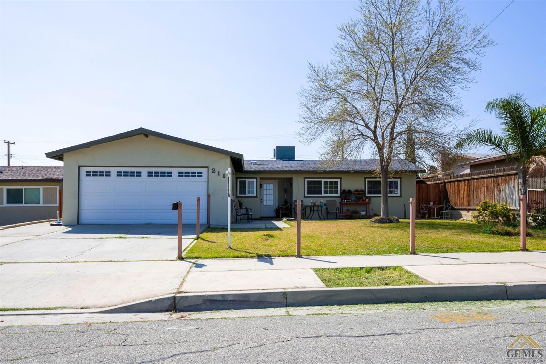 Photo of 211 Ash Street, Taft, CA 93268