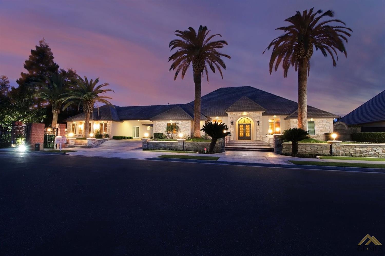 Photo of 10201 Coram Drive, Bakersfield, CA 93311