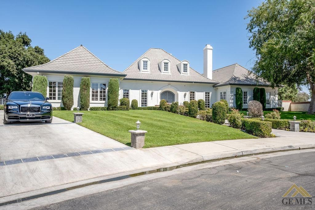 Photo of 10800 Kendall Way, Bakersfield, CA 93311