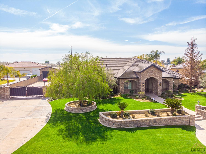 Photo of 17349 Legend Oaks Lane, Bakersfield, CA 93314
