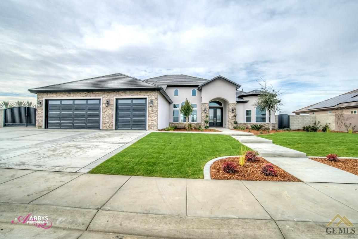 Photo of 16612 Bellewood Place, Bakersfield, CA 93314