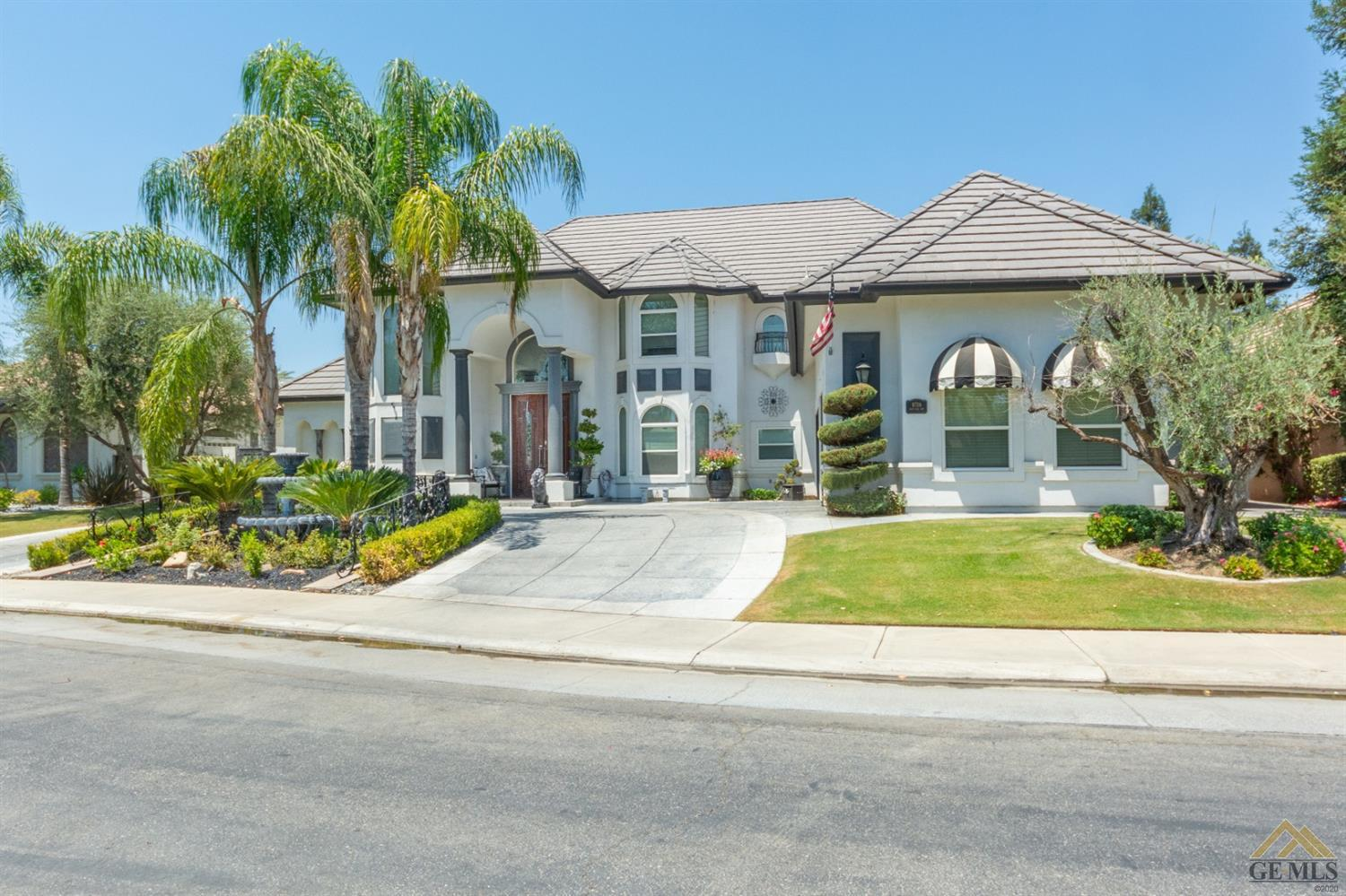 Photo of 8706 Skye Isle Way, Bakersfield, CA 93312