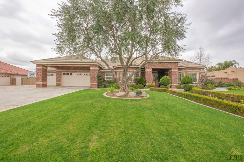 Photo of 14934 Henderson Avenue, Bakersfield, CA 93314
