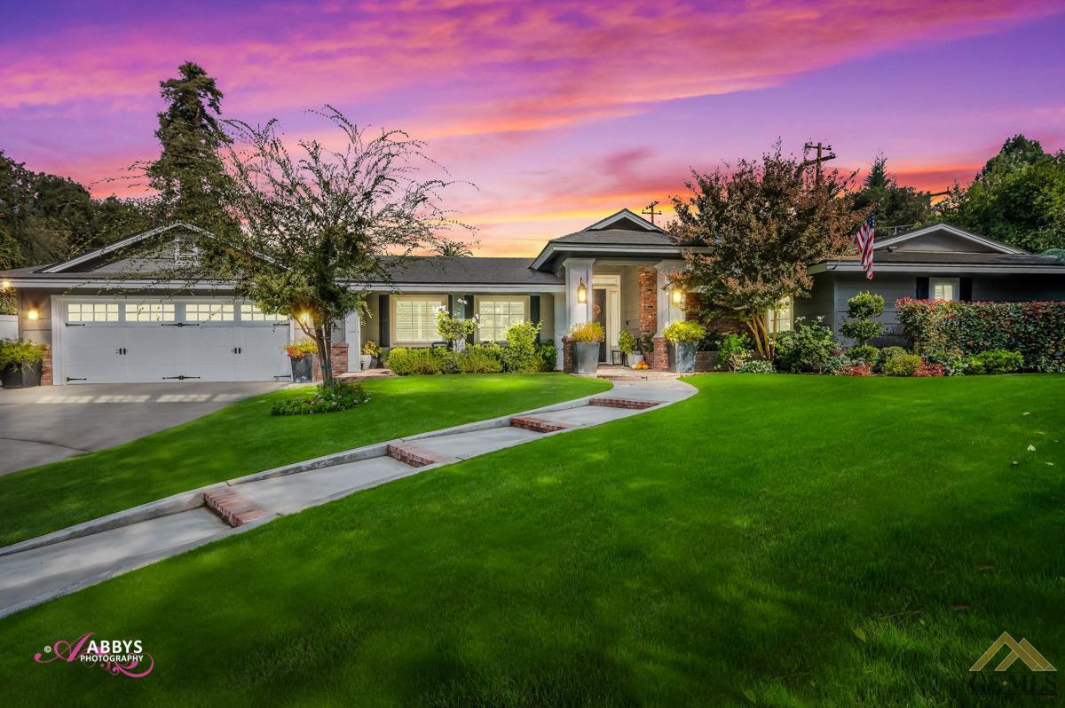 Photo of 3 Greenfair Court, Bakersfield, CA 93309