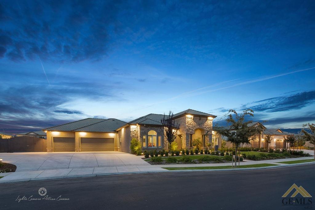 Photo of 13612 Dali Avenue, Bakersfield, CA 93314