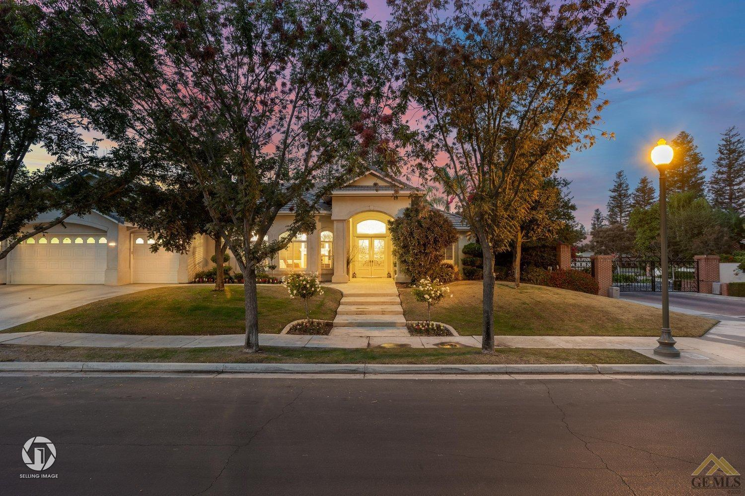 Photo of 11102 Hilaire Blaise Drive, Bakersfield, CA 93311