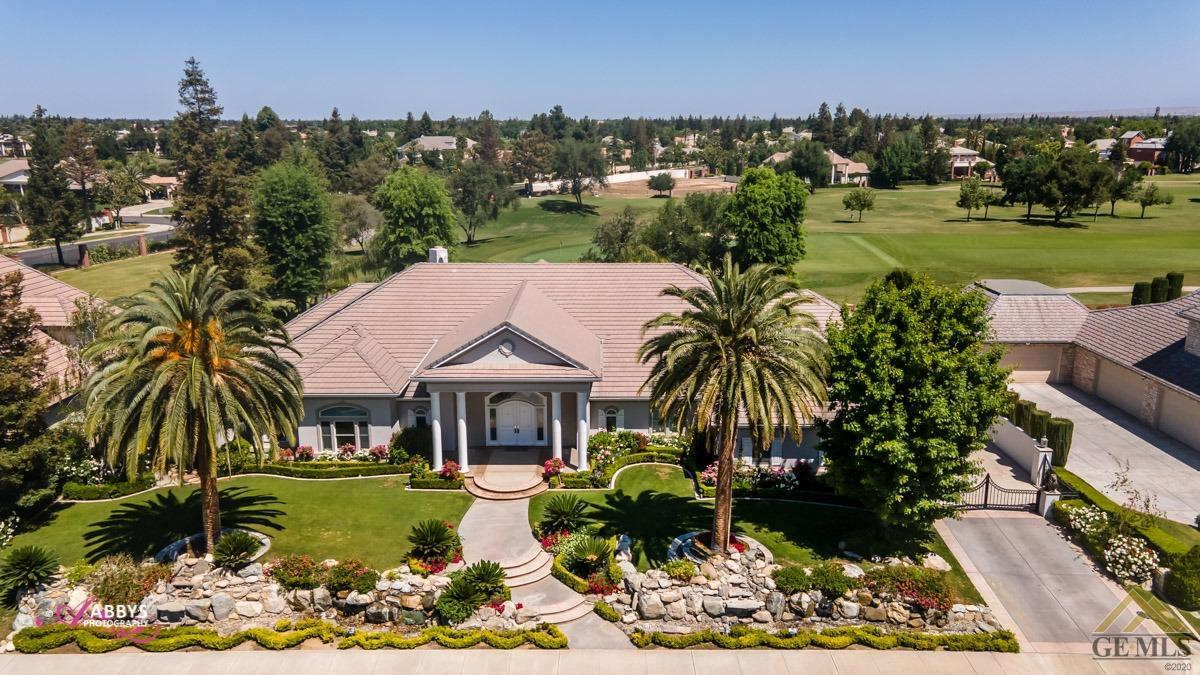 Photo of 10908 Ramsgate Way, Bakersfield, CA 93311