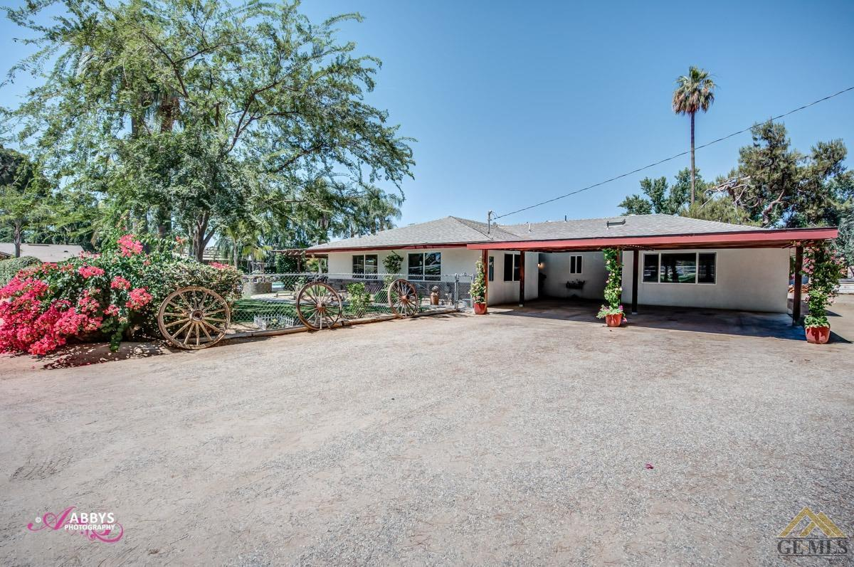 Photo of 6883 Coffee Road, Bakersfield, CA 93308