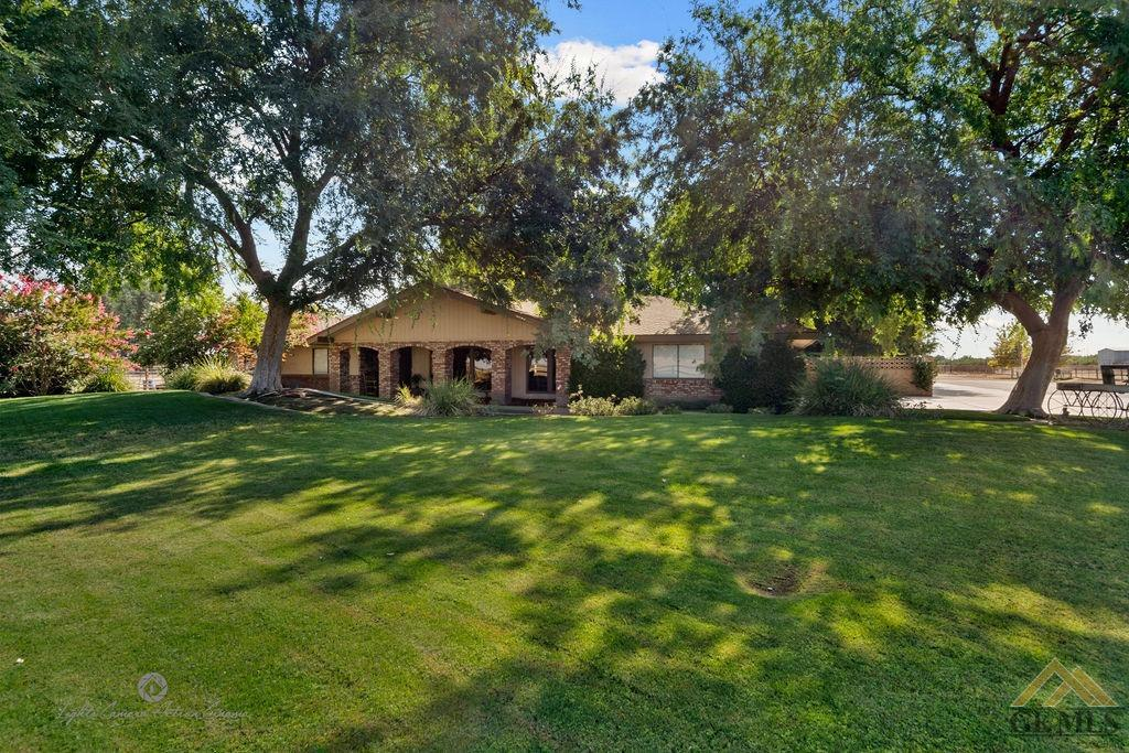 Photo of 15852 Wible Road, Bakersfield, CA 93313