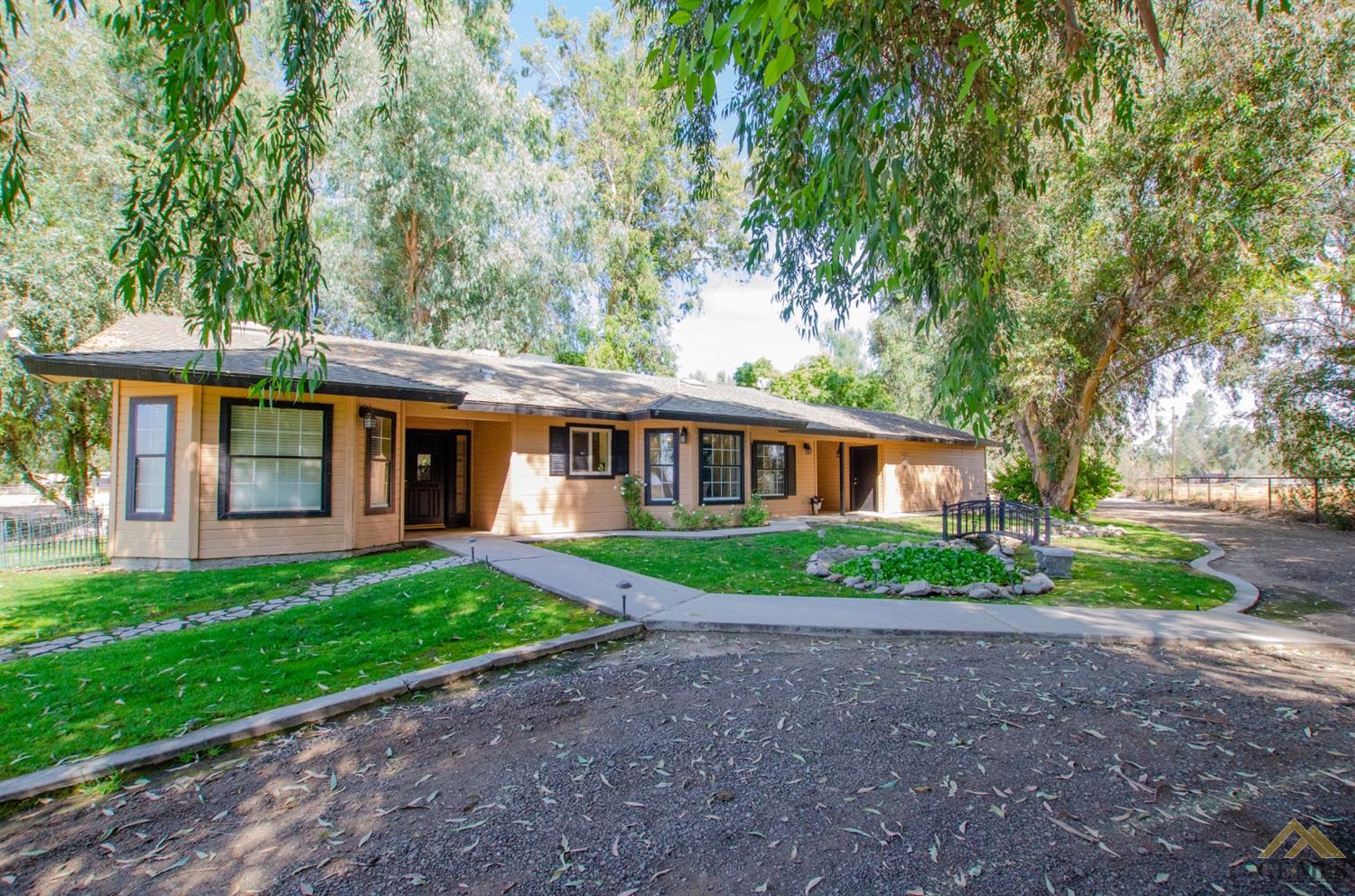 Photo of 7544 Clifford Court, Bakersfield, CA 93313