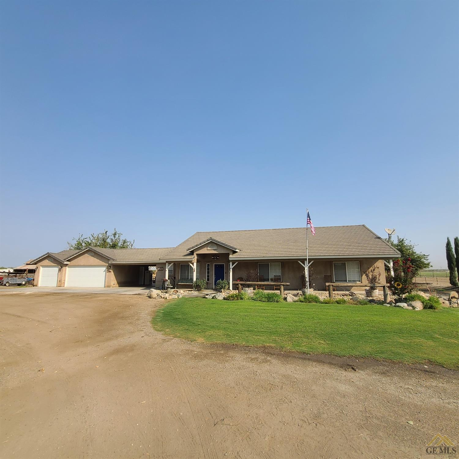 Photo of 7100 Houghton Road, Bakersfield, CA 93313