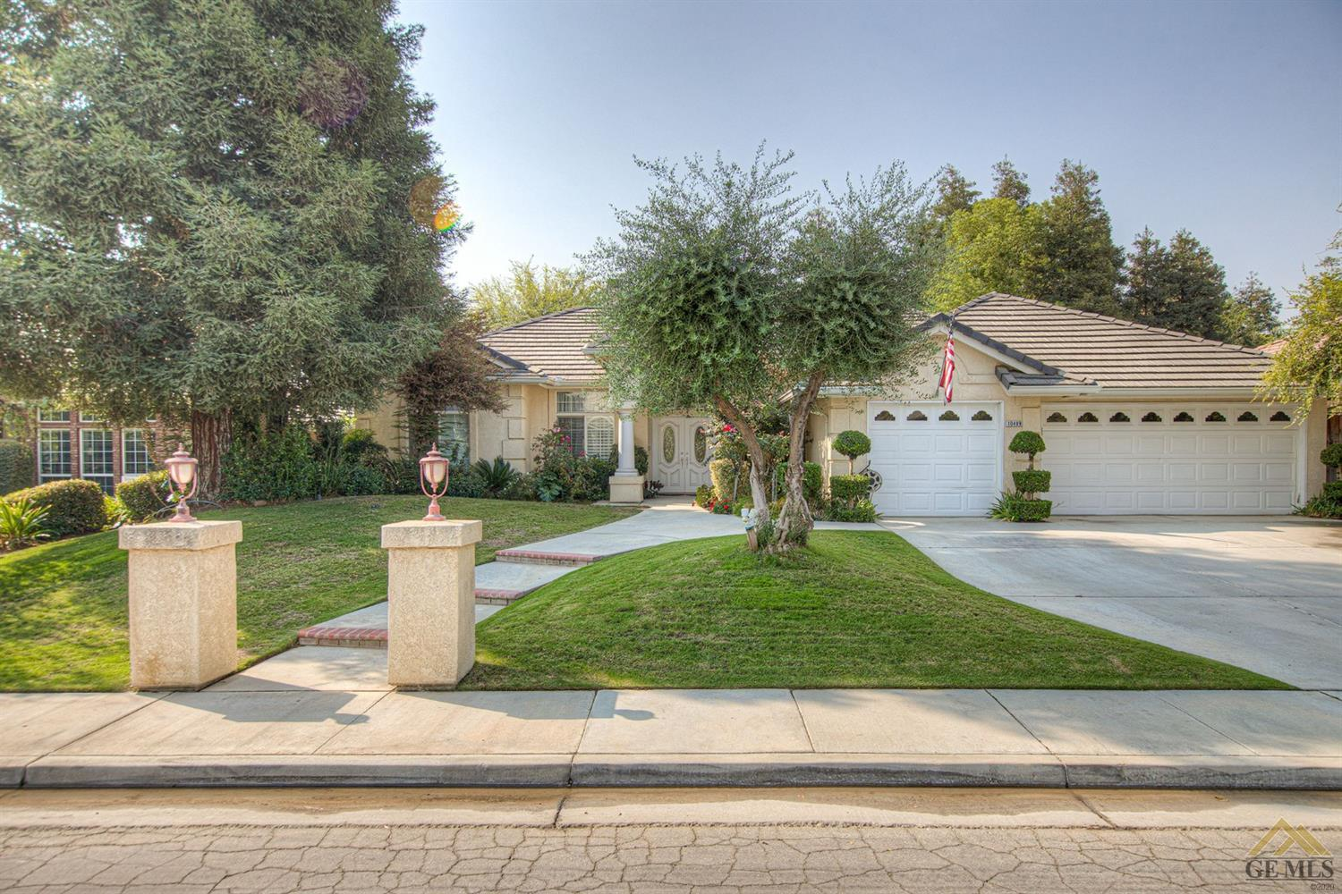 Photo of 10409 Within Heights Drive, Bakersfield, CA 93311