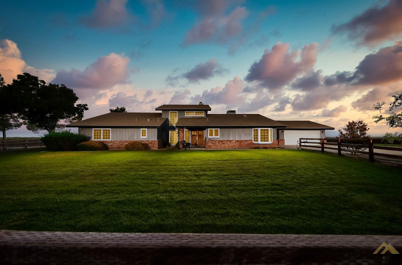 Photo of 11664 Valpredo Road, Bakersfield, CA 93313