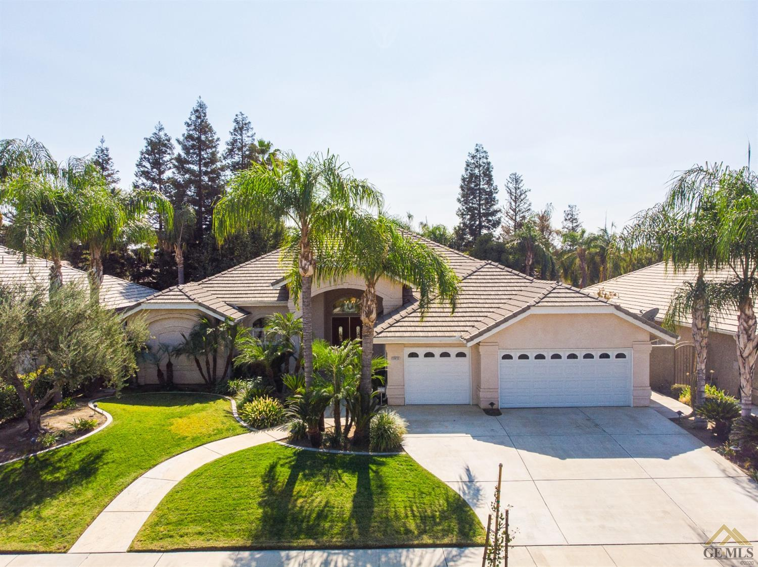 Photo of 11411 Hyde Park Drive, Bakersfield, CA 93311