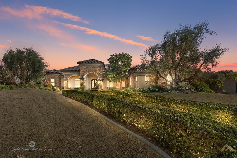 Photo of 15411 Domaine Chandon Avenue, Bakersfield, CA 93314