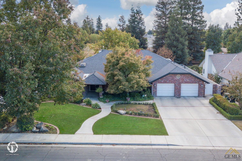 Photo of 7609 Avenida Valedor, Bakersfield, CA 93309