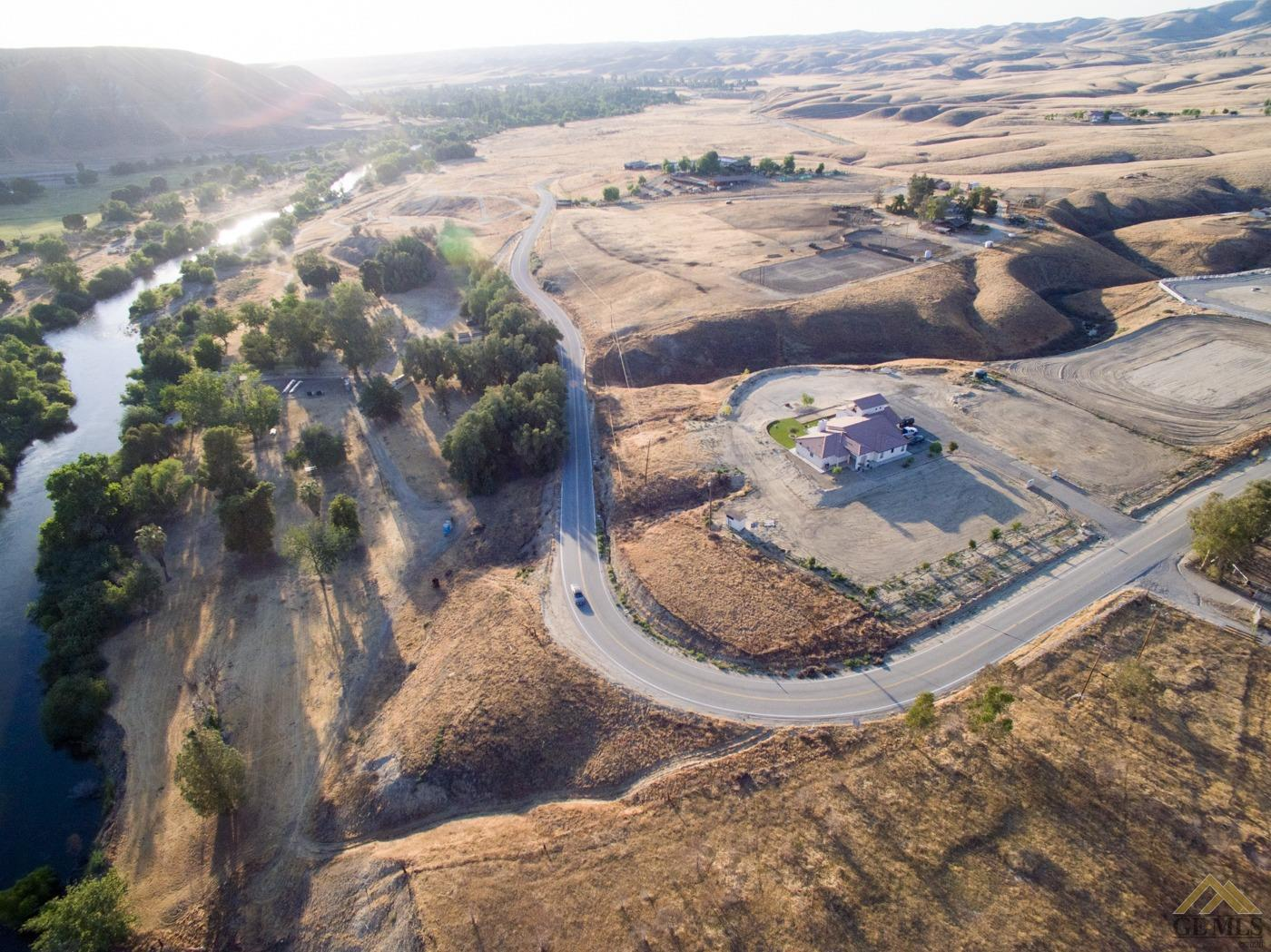 Photo of 13700 Round Mountain Road, Bakersfield, CA 93308
