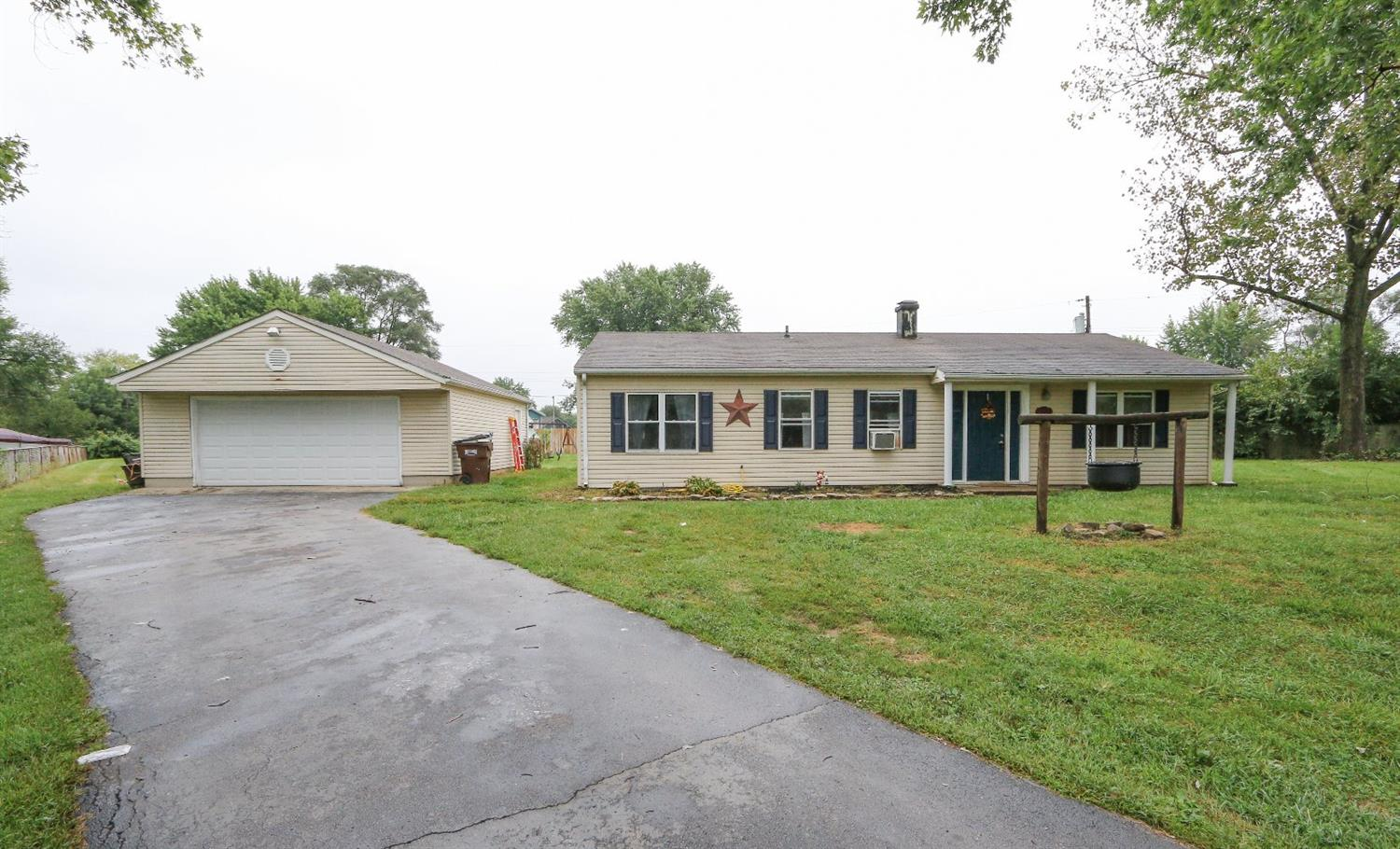 Property for sale at 940 Carolyn Court, Carlisle,  OH 45005