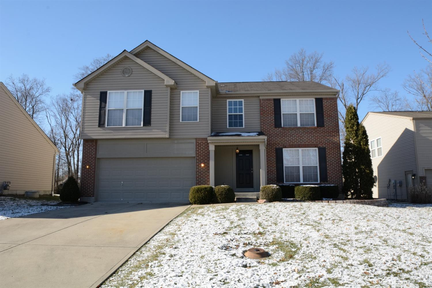 Move-in ready.4 bedrooms & 2.5 bath in a beautiful neighborhood.Hardwood entry and open foyer.Eat-in kitchen opens into large great room. Corner gas, ceramic fireplace.Finished half basement & insulated and finished garage.Community offers walking/jogging trails.
