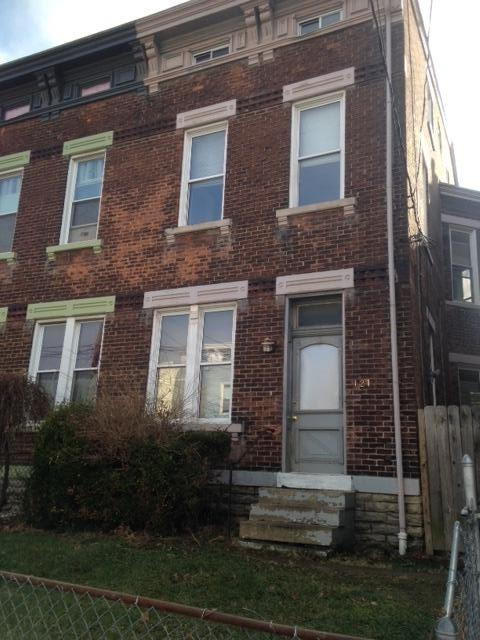 Was Rented for $1150/ Month for 3 years currently vacant as of 1/15/18  roof 3 years old, 5 bdrm 2 full bath, new water heater,  Clifton near