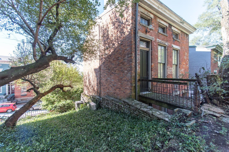 Property for sale at 528 Milton Street, Cincinnati,  OH 45202