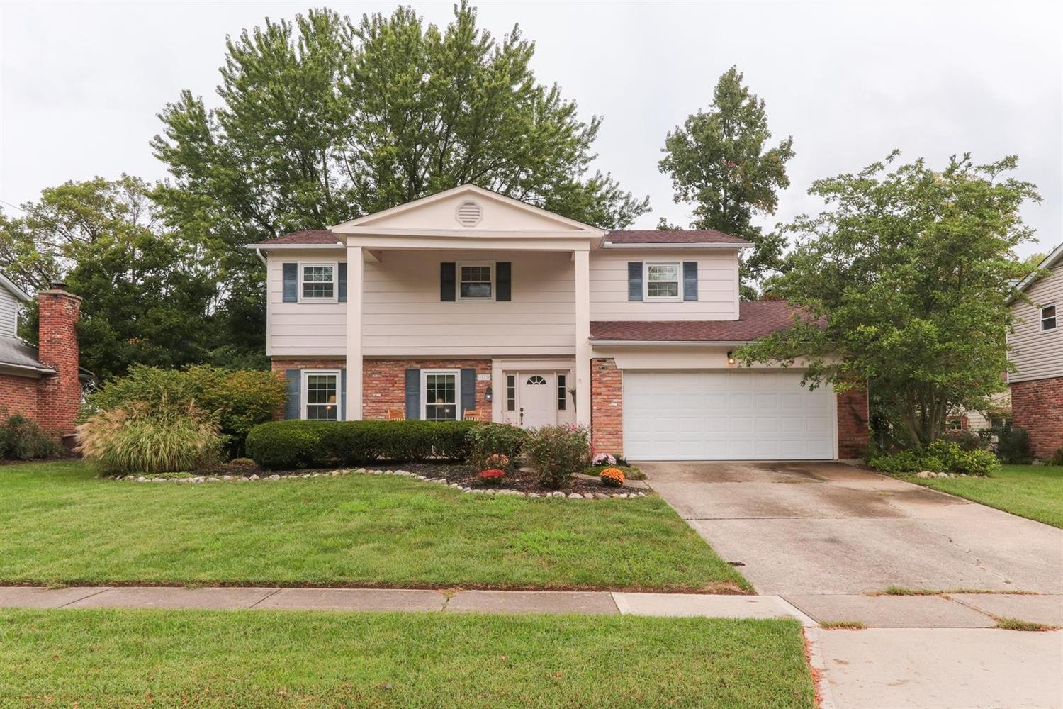 Property for sale at 1812 Lindenhall Drive, Loveland,  OH 45140