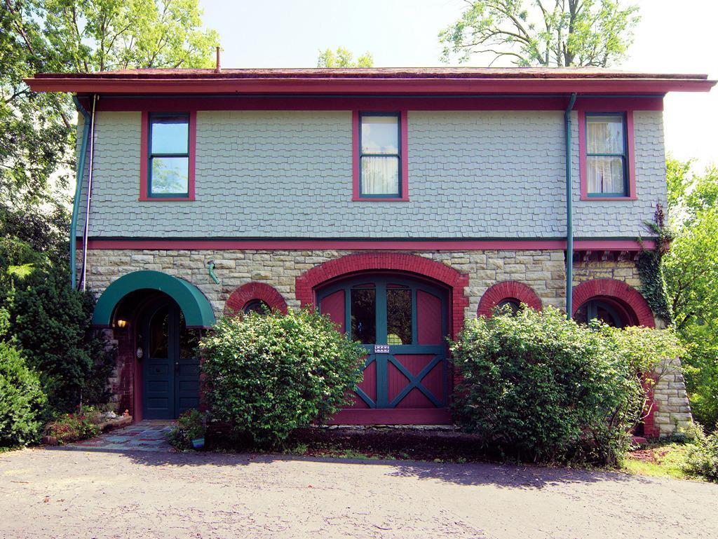 Property for sale at 3406 Manor Hill Drive, Cincinnati,  Ohio 45220